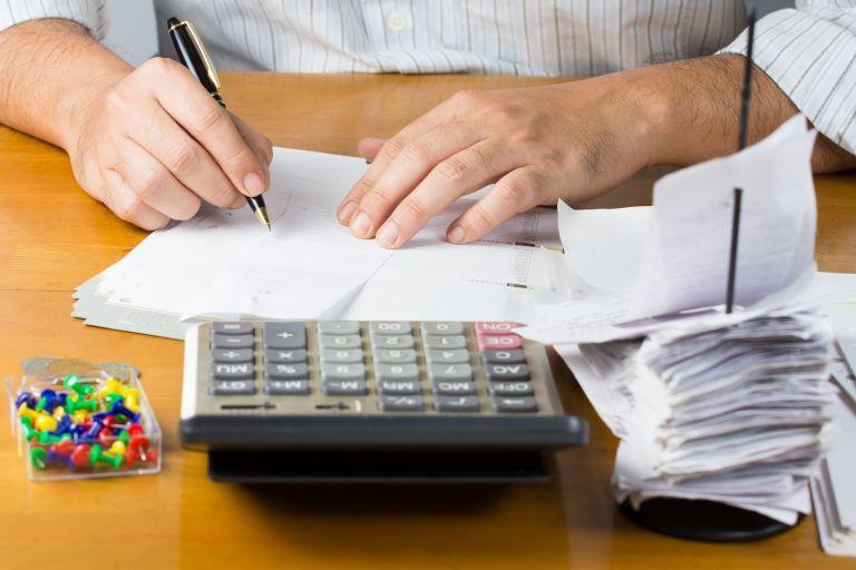 Φορολογικές δηλώσεις: Η «παγίδα» των ανείσπρακτων αποδοχών | tovima.gr