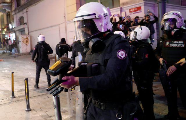 Τουρκία: Δακρυγόνα στις γυναίκες για την Παγκόσμια Ημέρα τους | tovima.gr