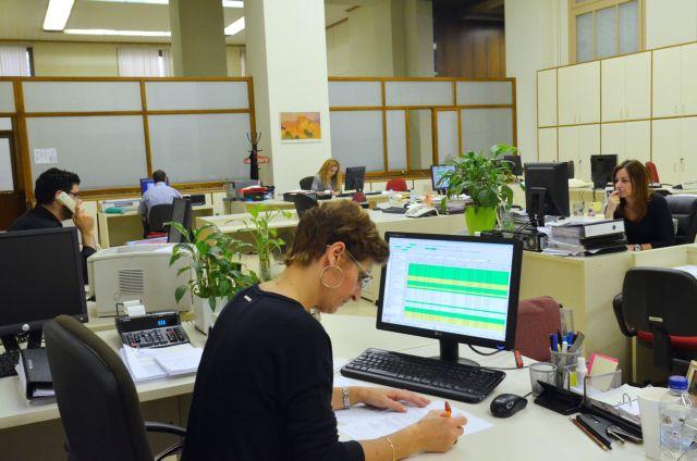 Μάχη για 7.000 αποχωρήσεις εργαζομένων από τις τράπεζες | tovima.gr