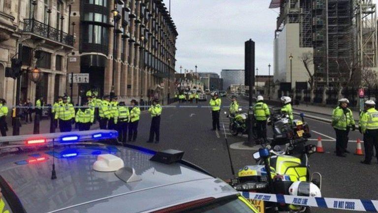 Λονδίνο: Λήξη συναγερμού μετά από έλεγχο σε ύποπτο όχημα | tovima.gr