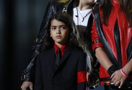 Ανησυχία για τον γιο του Μάικλ Τζάκσον μετά το ντοκιμαντέρ «Leaving Neverland» | tovima.gr