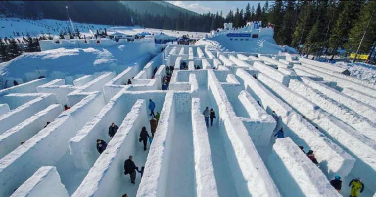 Στα ρεκόρ Γκίνες γιγαντιαίος λαβύρινθος από χιόνι στον Καναδά   tovima.gr