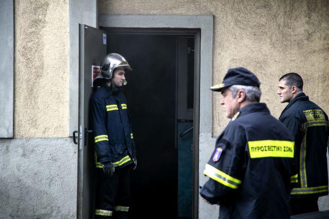 Πάτρα: Αναστάτωση στο Καρναβάλι από φωτιά σε διαμέρισμα | tovima.gr