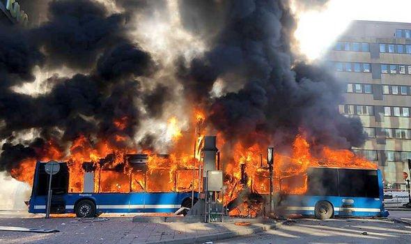 Έκρηξη λεωφορείου στη Στοκχόλμη | tovima.gr