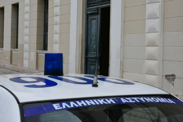 Ιωάννινα: 35χρονος αφού εξεπάτησε 85χρονη της έκλεψε κοσμήματα | tovima.gr