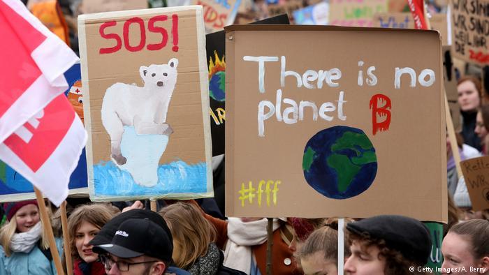 Γονείς και μαθητές διαδηλώνουν για το κλίμα | tovima.gr