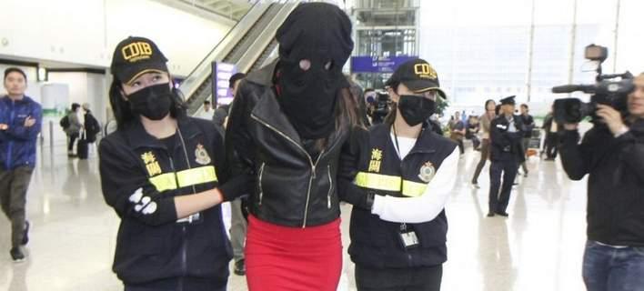 Τι είπε στην απολογία της η 21χρονη που συνελήφθη για κοκαΐνη στο Χονγκ Κονγκ | tovima.gr