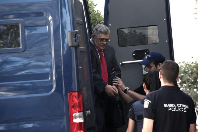 Νεολαία ΣΥΡΙΖΑ: Ο Καλογήρου μειώνει τις ποινές για τη Χρυσή Αυγή | tovima.gr