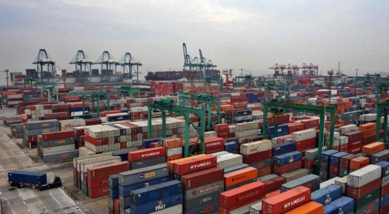 Κάμψη των εξαγωγών τον Ιανουάριο | tovima.gr