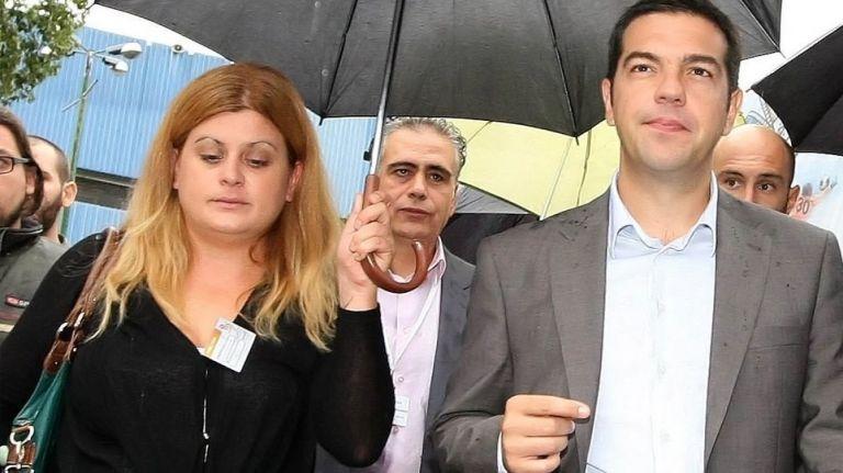 Η υφυπουργός Μακεδονίας-Θράκης βάζει υπογραφές και μοιράζει κρατικό χρήμα | tovima.gr