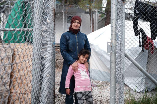 Μεταφορά προσφύγων από Σάμο και Μόρια στον καταυλισμό του Σκαραμαγκά | tovima.gr