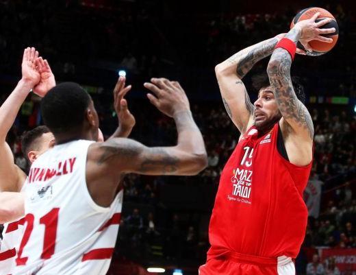 Ολυμπιακός : «Έσπασε» τα καλάθια, τον εκτέλεσε ο Τζέιμς | tovima.gr