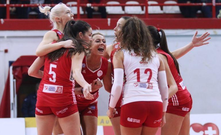 Ολυμπιακός – ΑΕΚ στα ημιτελικά του Κυπέλλου βόλεϊ γυναικών   tovima.gr