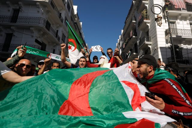 Αλγερία: Διαδήλωση κατά του προέδρου Μπουτεφλίκα | tovima.gr