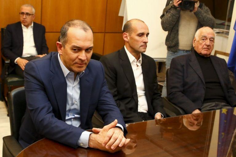 Αγγελόπουλοι: «Αν δεν χρειάζεται ο Βασιλακόπουλος τι κάνουμε εδώ;» | tovima.gr