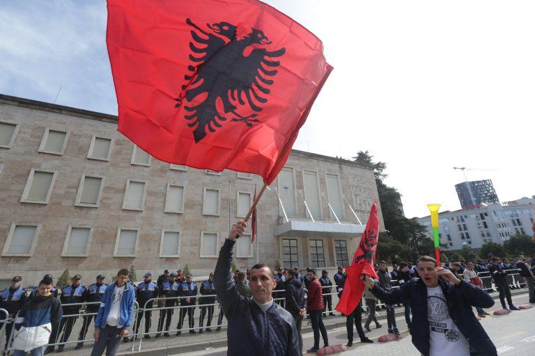 Διαδήλωση στην Αλβανία εναντίον της κυβέρνησης Ράμα | tovima.gr