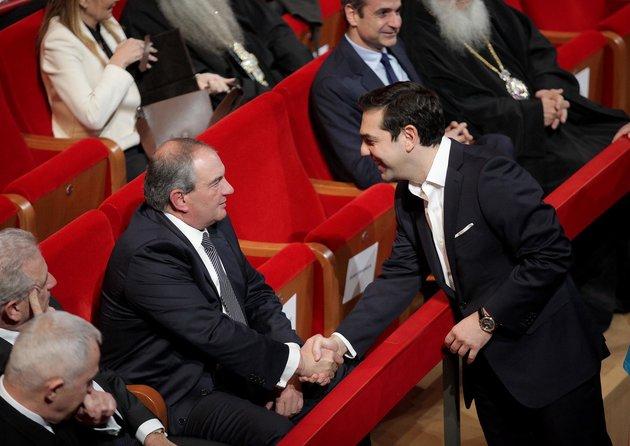 Γίνεται «Ιφιγένεια» ο Καραμανλής στο όνομα της προοδευτικής στροφής του Τσίπρα | tovima.gr