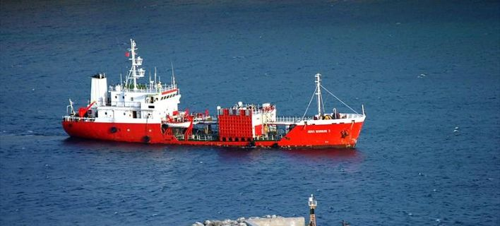 Δεξαμενόπλοιο προσάραξε ανοιχτά της Άνδρου | tovima.gr