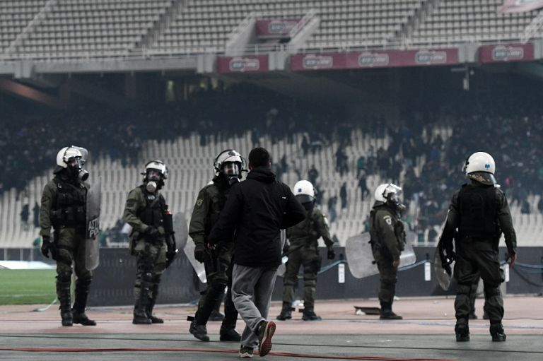Οκτώ συλλήψεις στο ΟΑΚΑ   tovima.gr