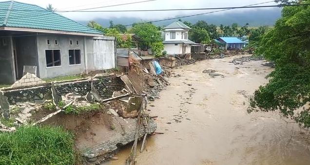 Ινδονησία: Στους 50 οι νεκροί από πλημμύρες στην επαρχία Παπούα | tovima.gr