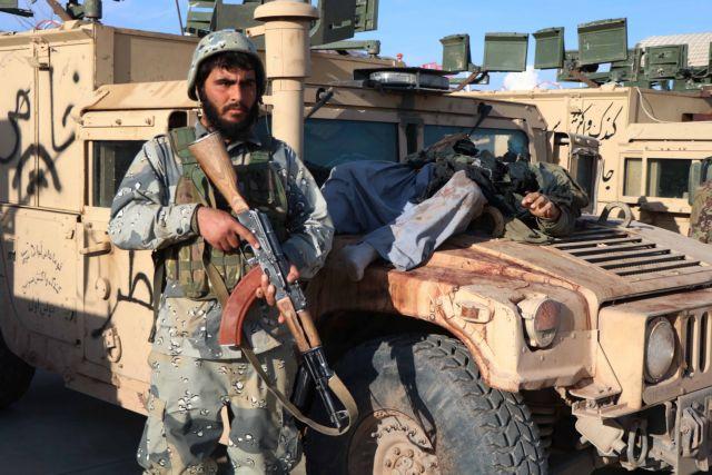 Αφγανιστάν: Οι Ταλιμπάν αιχμαλώτισαν 58 συνοριοφρουρούς | tovima.gr