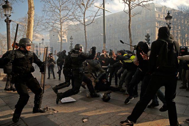 Γαλλία: Μαζικές συλλήψεις από την αστυνομία για τα «Κίτρινα Γιλέκα» | tovima.gr