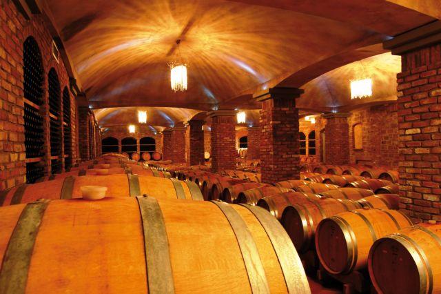 Κιλκίς: Εκλεψαν από οινοποιείο 300 φιάλες σπάνιου κρασιού | tovima.gr