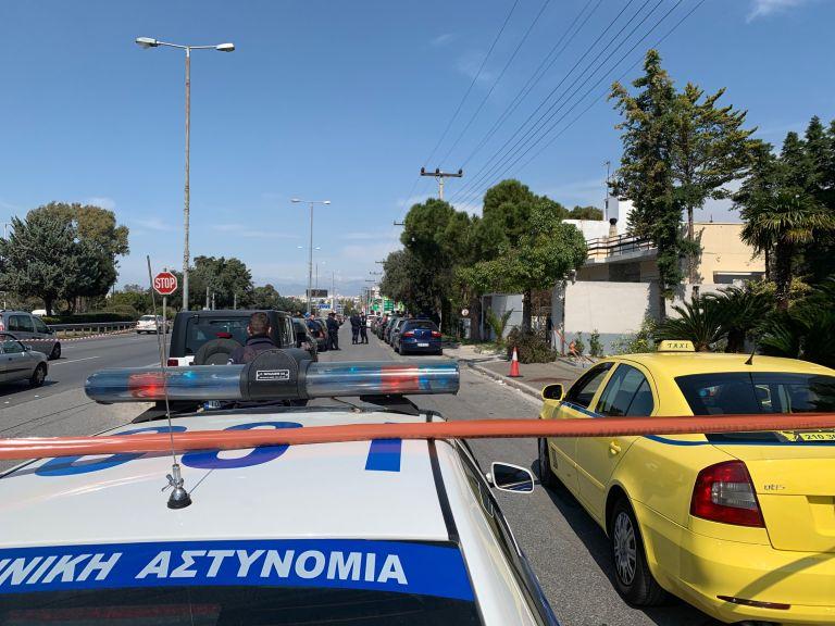 Πυροβολισμοί στην λεωφόρο Βουλιαγμένης στο Ελληνικό   tovima.gr