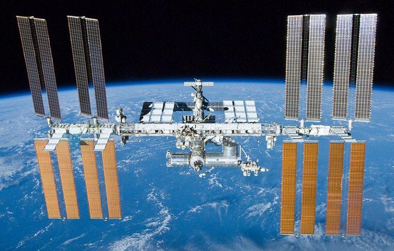 Δείτε live την πρώτη βόλτα των αστροναυτών του ISS στο διάστημα για το 2019 | tovima.gr