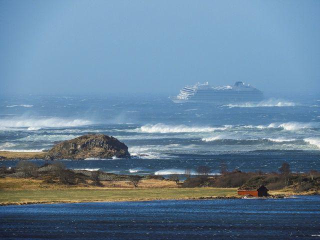 Νορβηγία: Μόλις 440 επιβάτες έχουν απομακρυνθεί από το κρουαζιερόπλοιο   tovima.gr