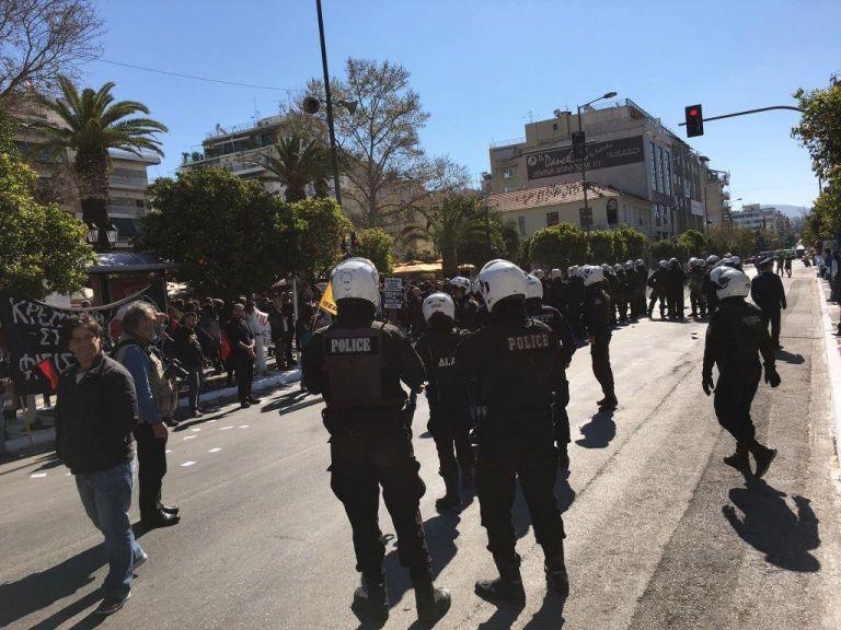 Επεισόδια στην Καλλιθέα – Συνελήφθησαν 12 ακροδεξιοί | tovima.gr