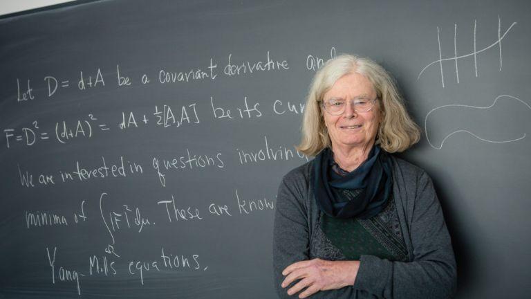 Κάρεν Ούλινμπεκ:  Ποια είναι η πρώτη γυναίκα μαθηματικός που κερδίζει το Βραβείο Abel | tovima.gr