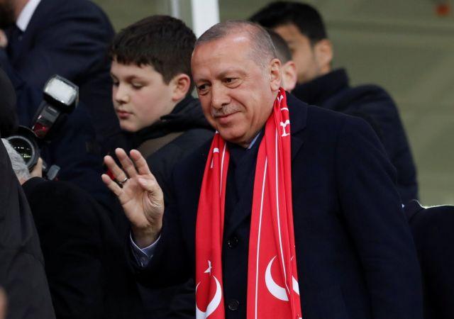 Ερντογάν: Πέφτουν τα ποσοστά του κόμματός του | tovima.gr