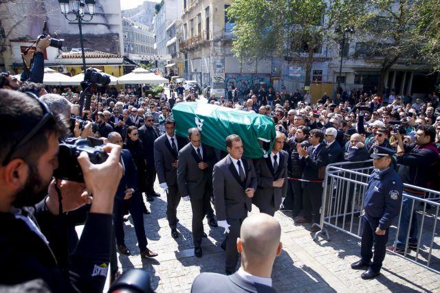 «Αντίο Θανάση» – Συγκινητικές στιγμές στην κηδεία του Γιαννακόπουλου   tovima.gr