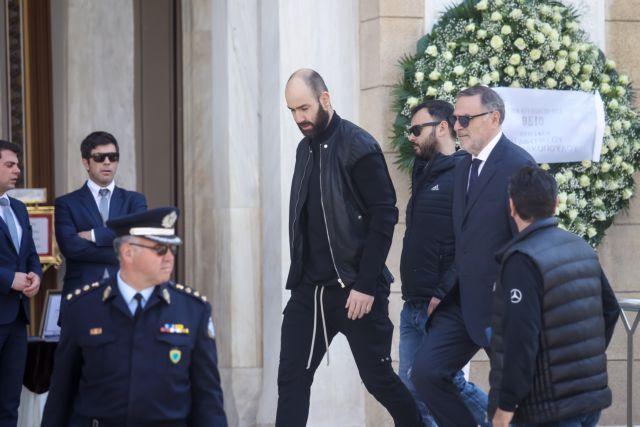 Θανάσης Γιαννακόπουλος: Αποθέωση για Σπανούλη που πήγε να τον τιμήσει | tovima.gr