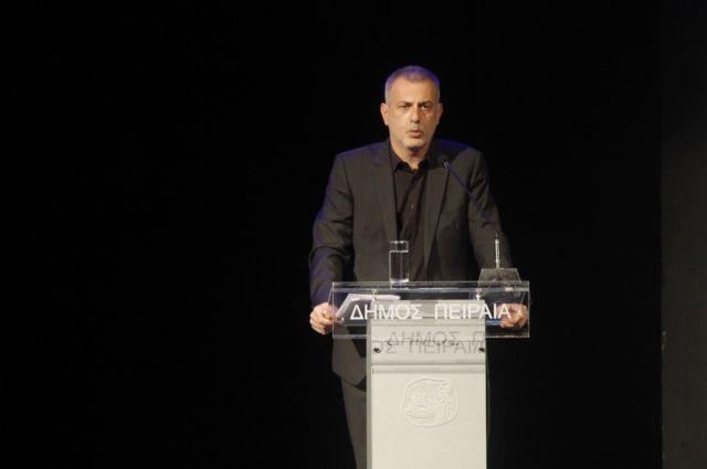 Ο Δήμαρχος Πειραιά για την Παγκόσμια Ημέρα θεάτρου   tovima.gr