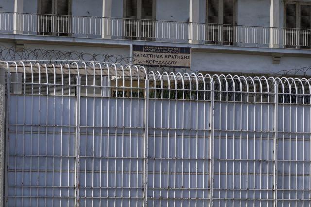 Υπουργείο Δικαιοσύνης: Κατηγορεί τα ΜΜΕ για τη ζούγκλα των φυλακών – Τίποτα όμως για τη ταμπακιέρα | tovima.gr
