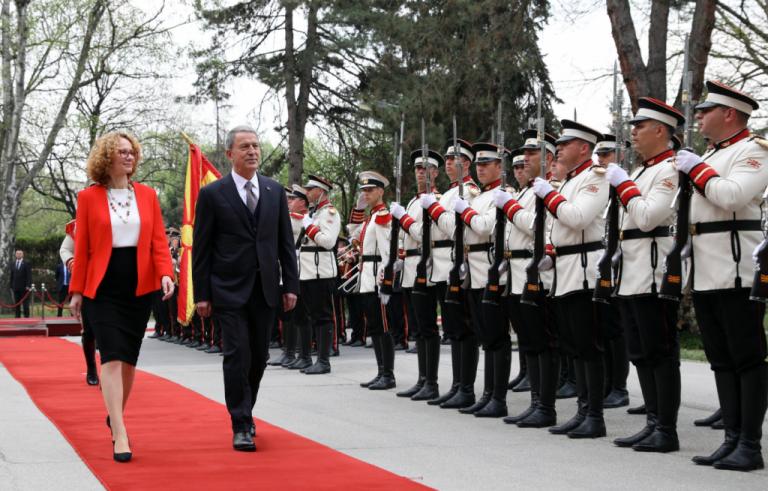 Στα Σκόπια, μετά τον Τσίπρα, ο τούρκος υπουργός Αμυνας | tovima.gr