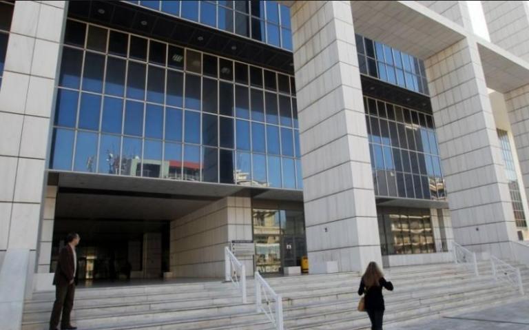 Μαφία φυλακών: Μεταγωγή του προφυλακισμένου δικηγόρου στο Εφετείο διέταξε το δικαστήριο | tovima.gr
