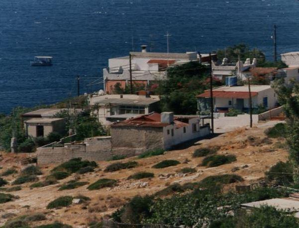 Νομιμοποίηση αυθαιρέτων στον αιγιαλό προωθεί ο ΣΥΡΙΖΑ | tovima.gr