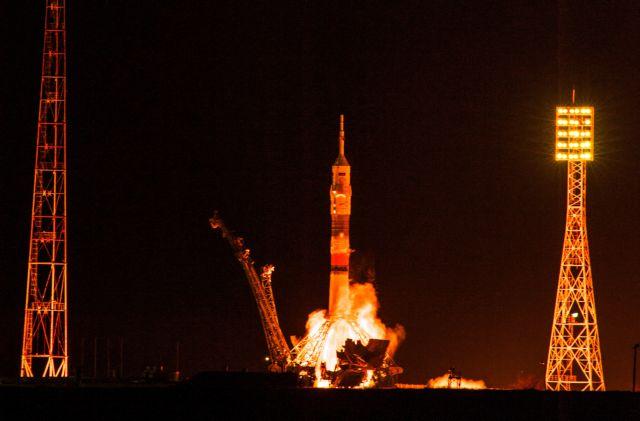 Κίνηση στο Διάστημα! Δύο εκτοξεύσεις πυραύλων και μια άφιξη στην τροχιά της Σελήνης | tovima.gr