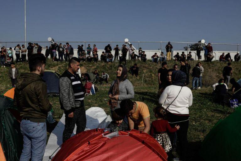 Σταθμός Λαρίσης -Διαβατά και η «έξοδος» των προσφύγων στην Ευρώπη | tovima.gr