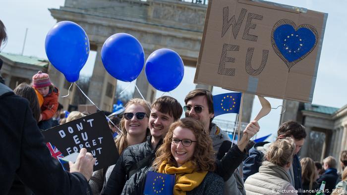 Γερμανία :To Brexit ενισχύει το φιλοευρωπαϊκό στρατόπεδο   tovima.gr