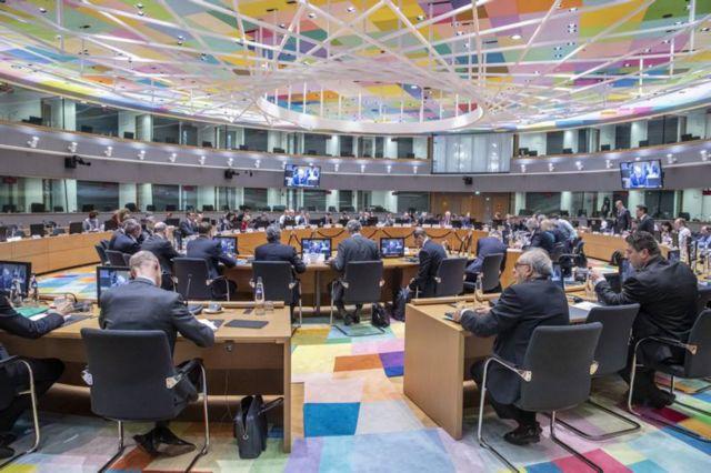 Δανειστές: Τα έχουν στυλώσει για τη «δέσμευση» της κυβέρνησης περί μείωσης του αφορολογήτου | tovima.gr