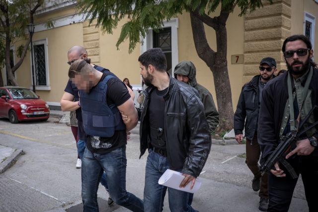 Δολοφονία Μακρή: Ο δράστης της, επέστρεψε στον τόπο του εγκλήματος | tovima.gr