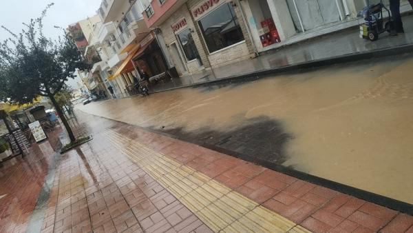Εικόνες καταστροφής στη Σητεία μετά την κακοκαιρία | tovima.gr