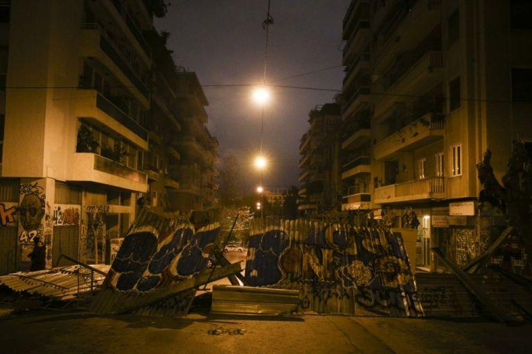 Τι συμβαίνει στα Εξάρχεια: Η εγκατάλειψη, τα συμφέροντα και η υποκρισία ΣΥΡΙΖΑ | tovima.gr