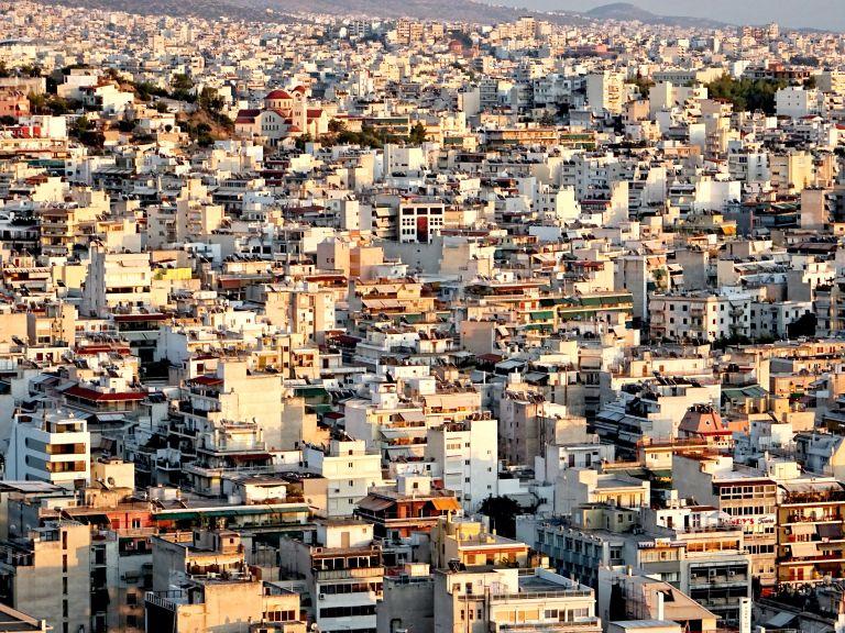 Σε ποιες περιοχές αγοράζουν ακίνητα για να τα κάνουν Airbnb | tovima.gr