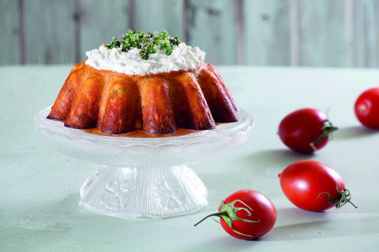 Κέικ με ντομάτα, ξινομυζήθρα και κάπαρη | tovima.gr