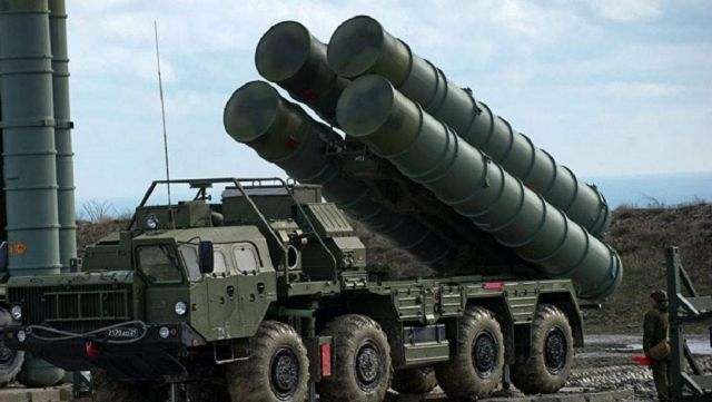 Πεσκόφ: Oρισμένα εξαρτήματα των S-400 μπορούν να παράγονται στην Τουρκία | tovima.gr